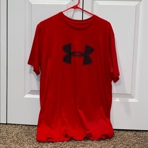 red under armour t-shirt